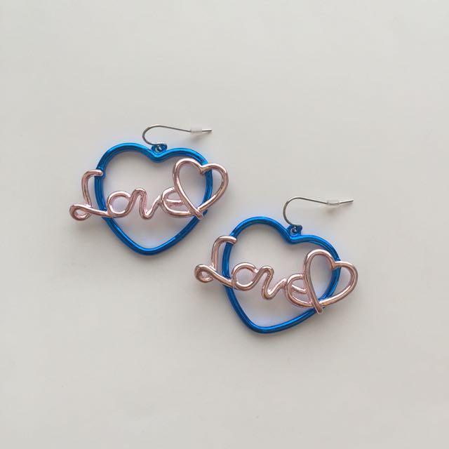 LOVE WIRE HEART EARRINGS
