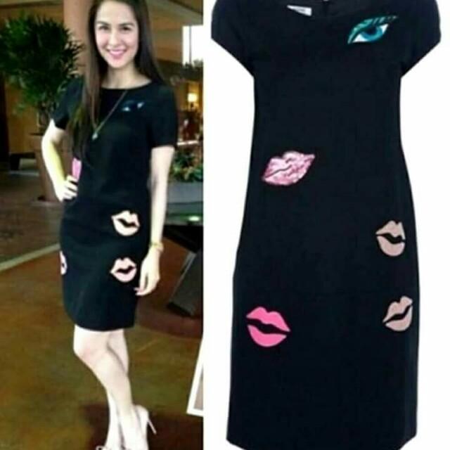 Marian dress/shi