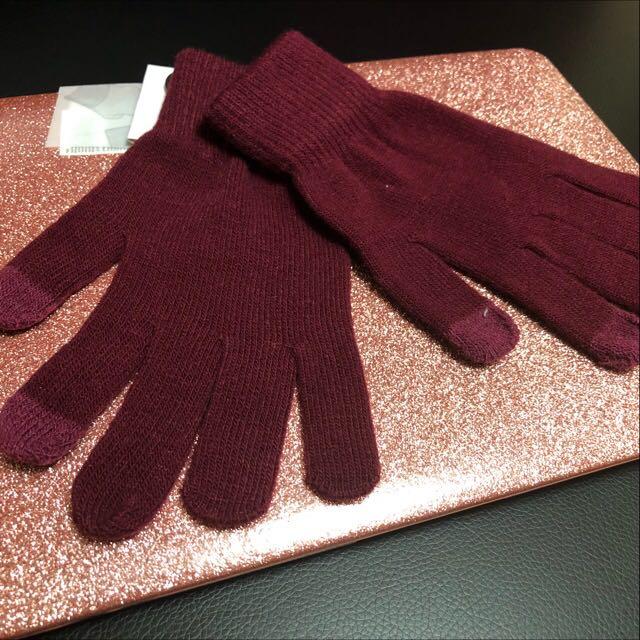 Maroon scarf and gloves bundle