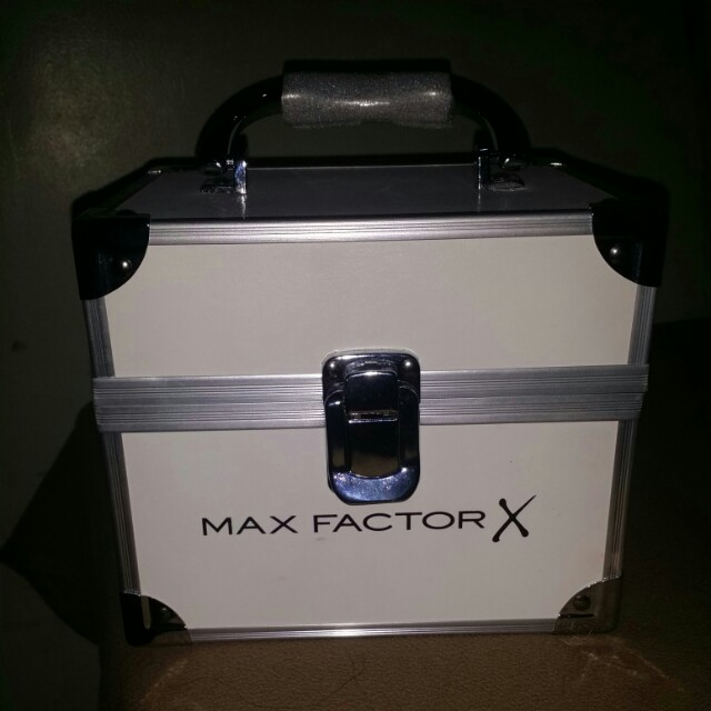 Max factor make up kit