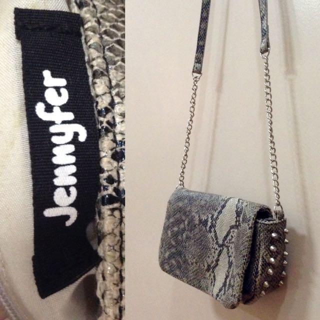 New:Jennyfer gray sling bag