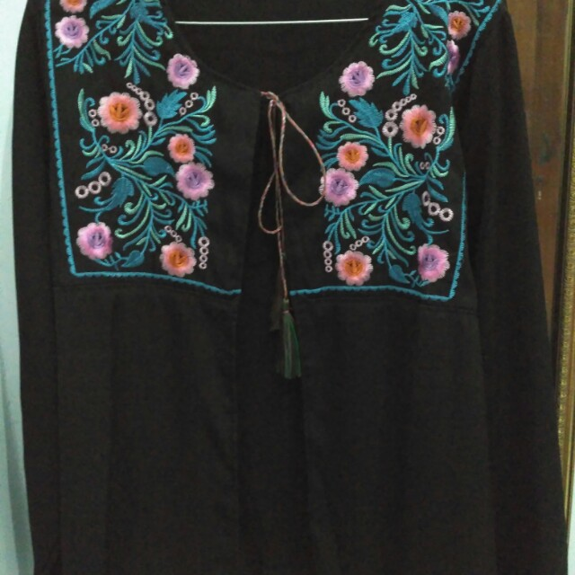Outer embroidery