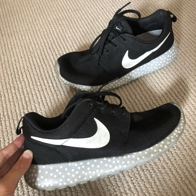 Polka Dot Nike Roshe Runs SIZE 7