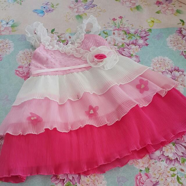 Preloved dress. Defect tinta