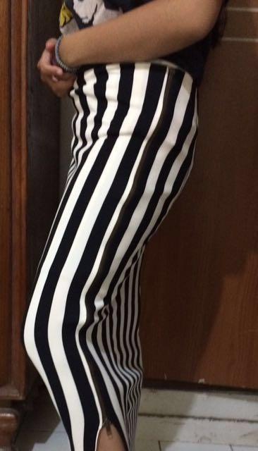 Rok Panjang Span Stripes