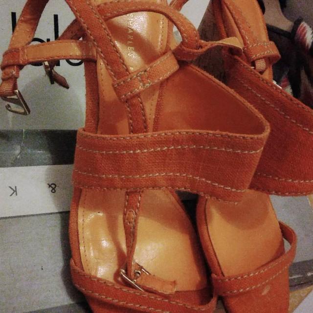 Sepatu merk Charles n Keith ori
