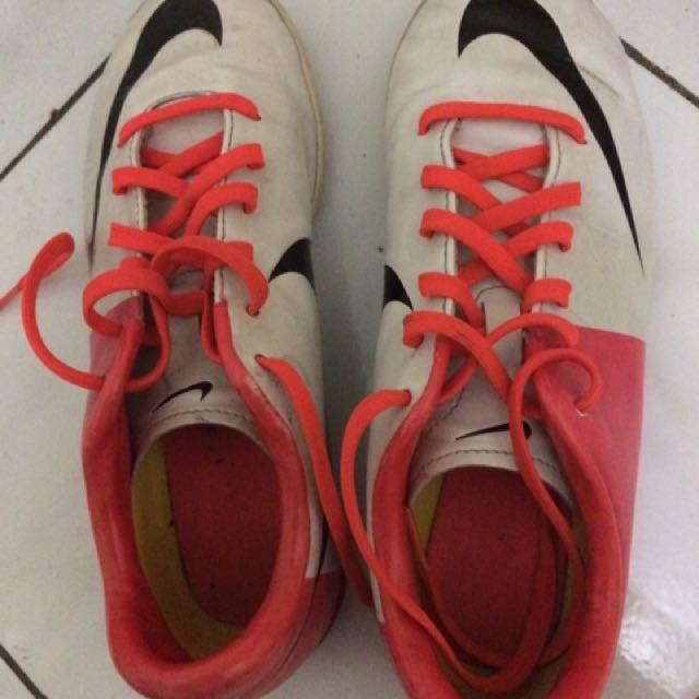Sepatu nike ori futsal
