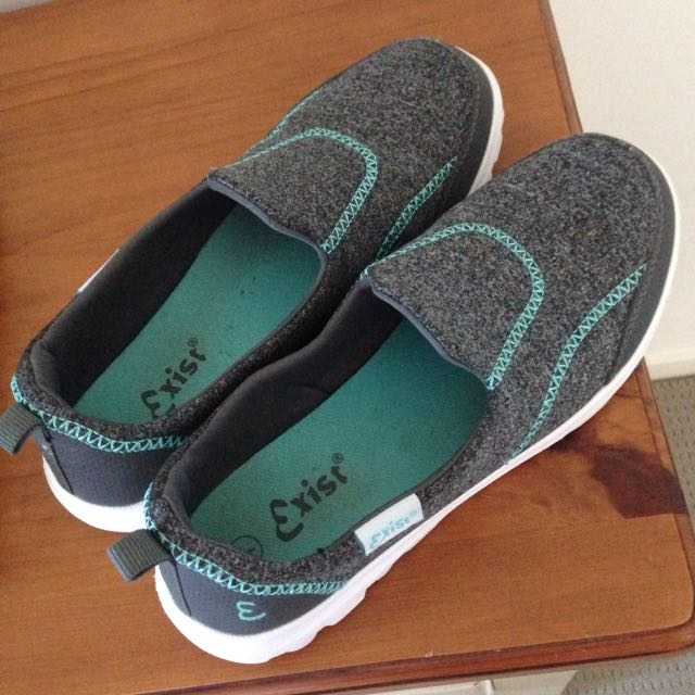 Size 7 Slip On Shoes