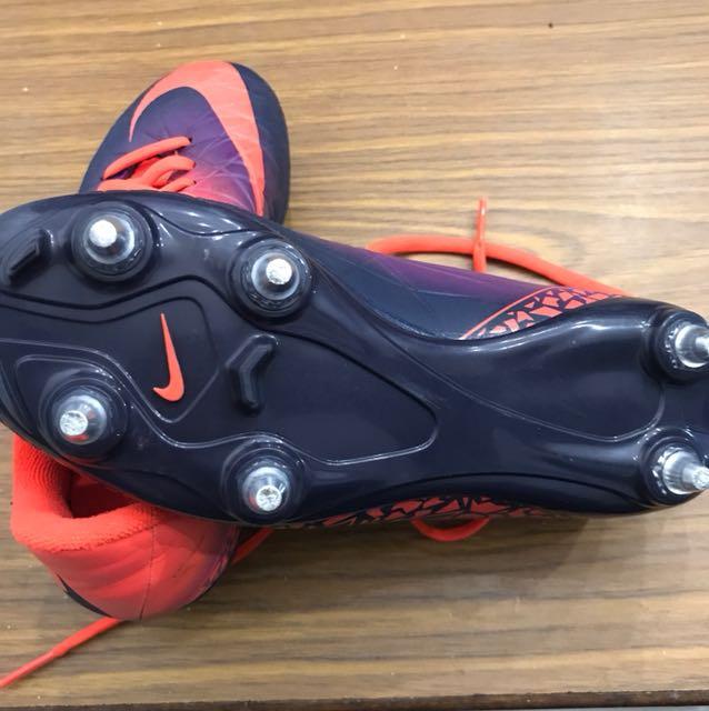 da83dee37 Used kids Nike Hypervenom 4 by 2 boots