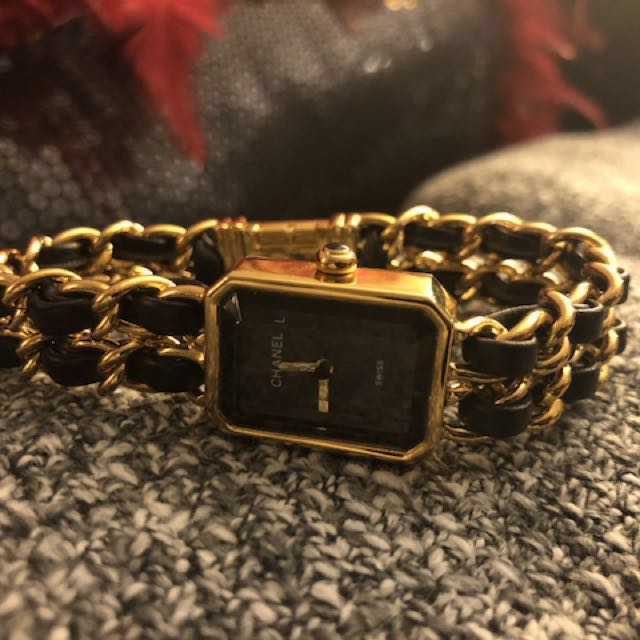 Vintage Chanel watch 1986