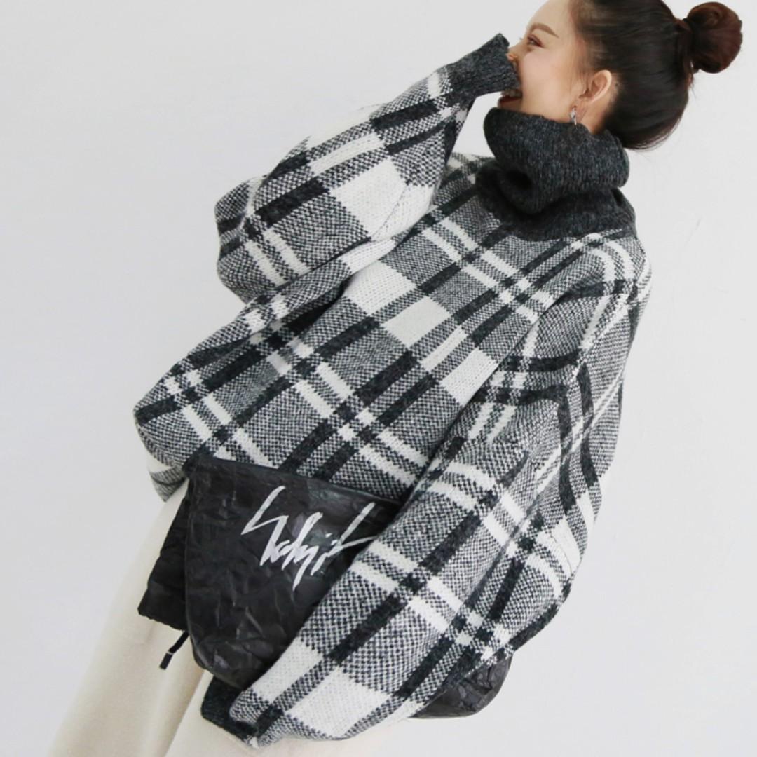 VM 韓版設計復古黑灰高領接拼格紋 寬鬆中長款 針織毛衣