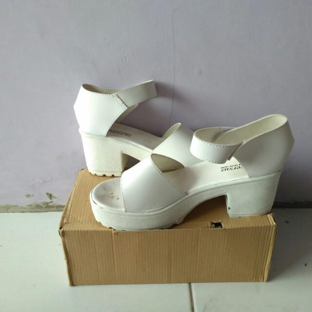White platfotm