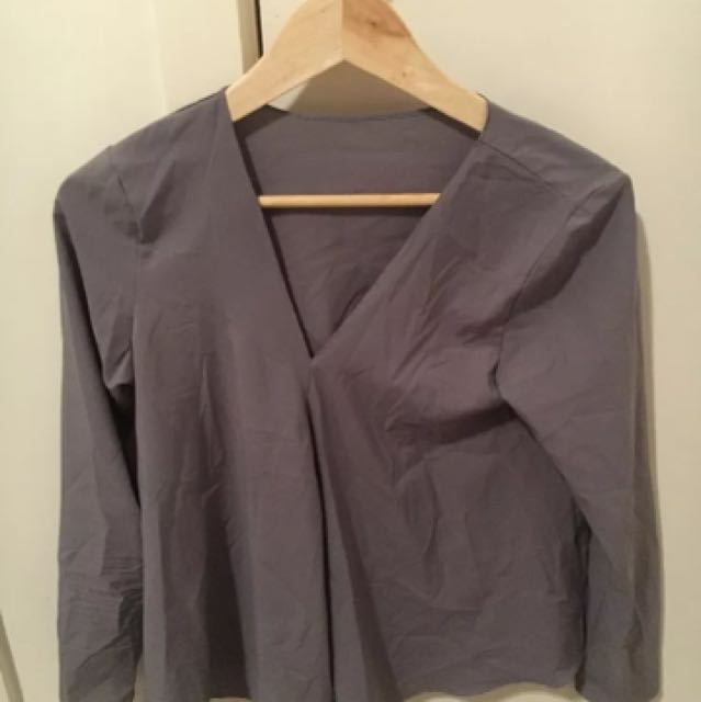 Women's grey shirt 1 size fits
