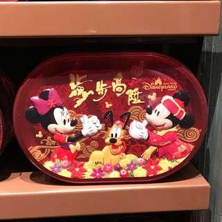 代購 香港迪士尼 Hong Kong Disneyland 新年禮盒 鐵盒裝