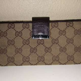 Gucci Wallet (Defect)