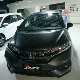 Jazz RS CVT hitam