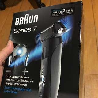 Braun-720智能音波極靜刮鬍刀 原價$11888,賠本賣了要的趕快~有心人價格詳談