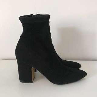 Steve Madden Sock Boot size 8