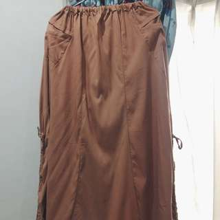rok panjang/long skirt