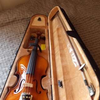 Violin 4'4 Adult size Semi-Brandnew