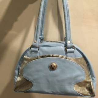 lulu lemon blue bag slightly worn at handle