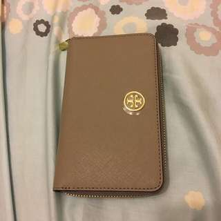 $900 Tory Burch wallet