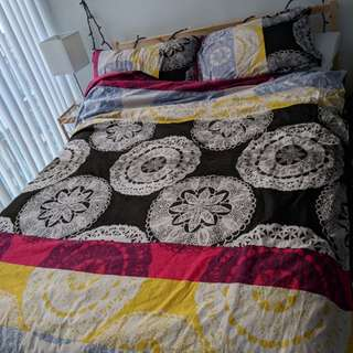 Duvet cover + duvet and pillow shams