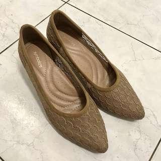Heels Symbolize