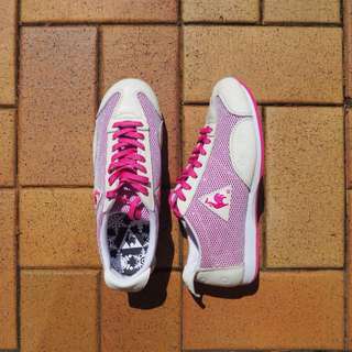 VERY RARE LE Le Coq Sportif Sparkling Pink Sneakers