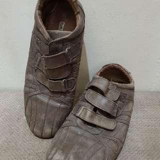 sepatu zara vintage