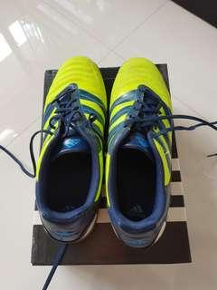 減價:二手Adidas男裝波boot, 10號鞋 second hand  Adidas men's football boot, size 10