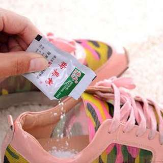 bedak penghilang bau kaki/ sepatu