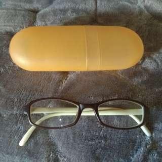 Eyeglass frame for kids