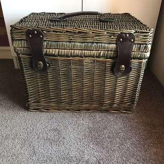 Top of range Picnic basket