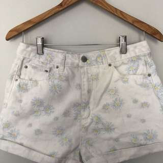Glassons floral boyfriend shorts size 10