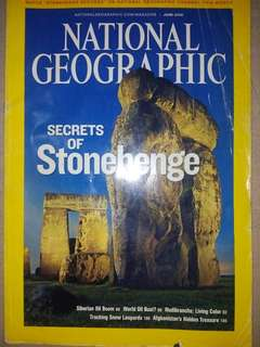 NATIONAL GEOGRAPHIC (SECRETS OF STONEHENGE on front page)