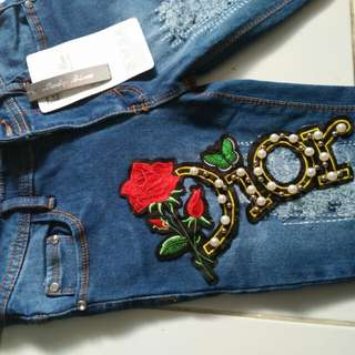 Jeans lady blue/jeans embroidery masih new