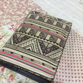 Dompet Tribal