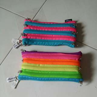 BN with tag smiggle pencil case