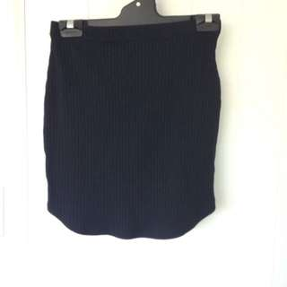 Short black skirt
