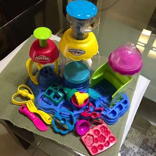 Play doh muffin moulding set