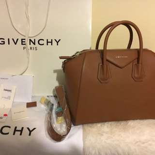 New Givenchy antigona medium