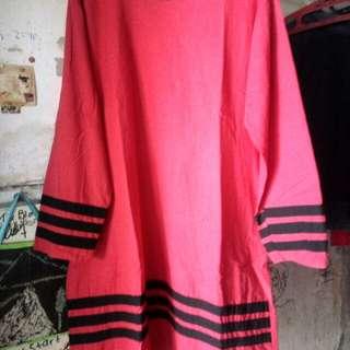 Tunik warna Merah