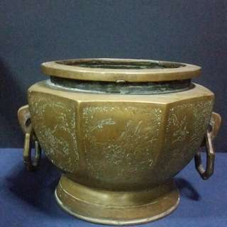 Vintage Bronze Sculpture Hexagon shape of incense burner ( 民国六角菱形雕花铜香炉 )