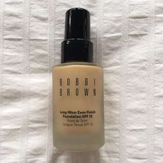 Shade 3 Beige Bobbi Brown Long Wear Even Finish Foundation