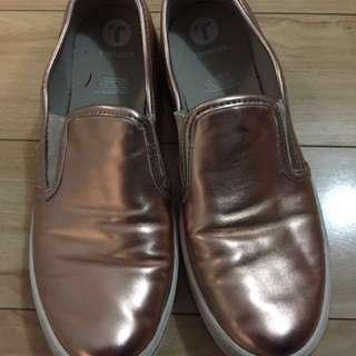 Pink metalic shoes