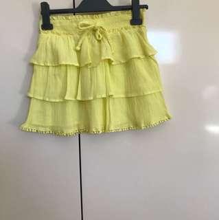 Girls yellow skirt