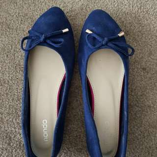 Blue suede flat