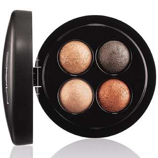 MAC Mineralized Eyeshadow X4 in A Glimmer of Gold