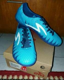 Dijual Sepatu Futsal: SPECS